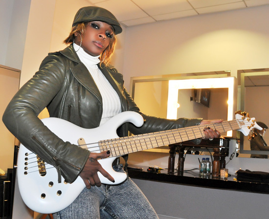 Mary J Blige - Bass Professor Bass Talk 2011 - Ritter Bass