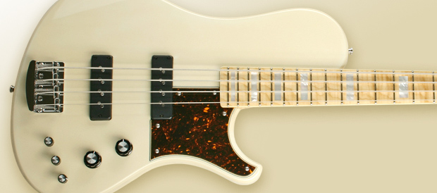 Bass Professor 3/2010 - Test Kristall Solid II