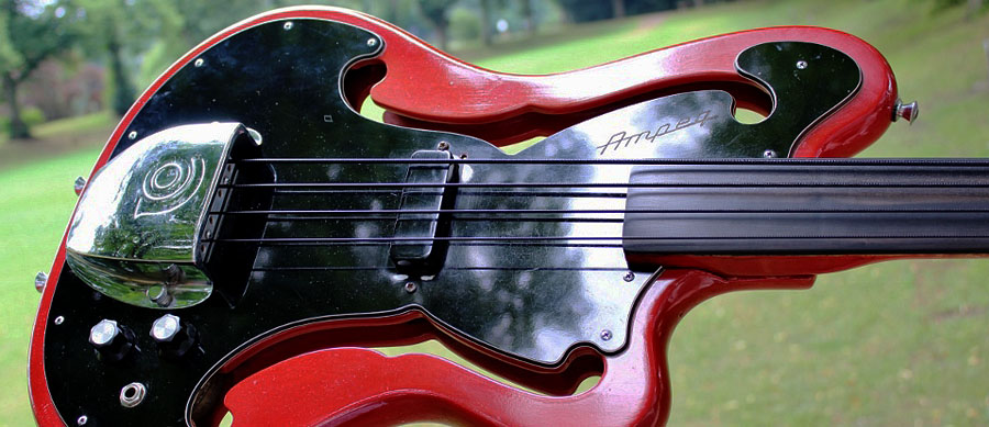 Bass Professor 4/2015. BassMuseum: Ampeg Scroll Head AMUB 1 Fretless von 1968