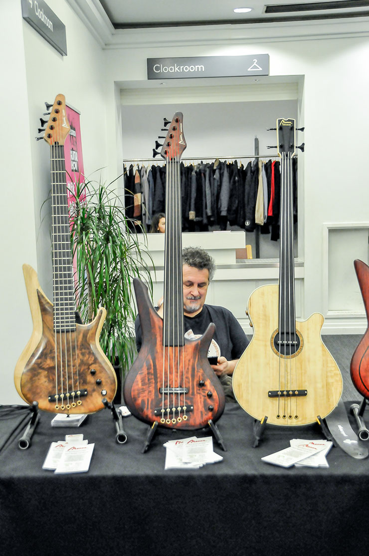 Bass Professor 2/2017: The London Bass Guitar Show