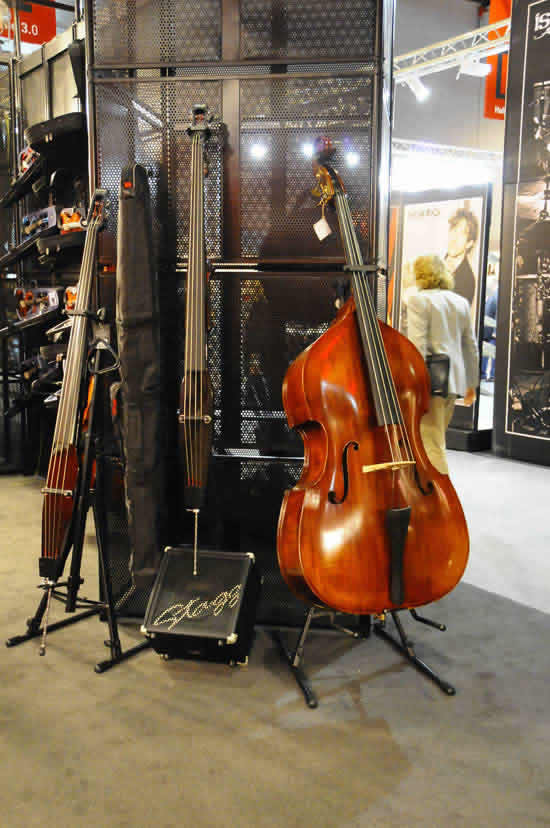 Bass Professor Musik Messe 2011 - Stagg