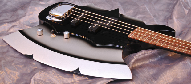 Bass Professor 4/2010. Test: Cort GS - AXE - 2